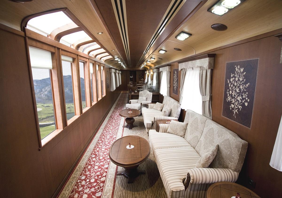 turismo-viajar-tren-Transcantábrico-vagon