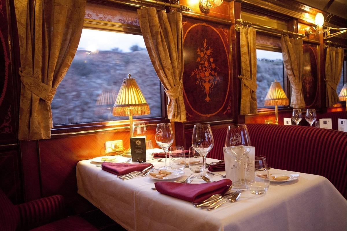 Recorrer Andalucía en el tren Al Andalus es todo un lujo. (Foto cedida por Renfe)
