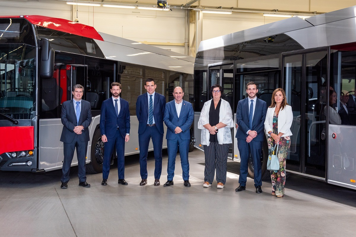 Carlos Sarobe (Sodena), Javier Calleja (CAF), Josu Imaz (CAF), Manu Ayerdi, Pilar Irigoien (Sodena), Javier Iriarte (CAF) y María Eugenia Lecunberri (Sodena).
