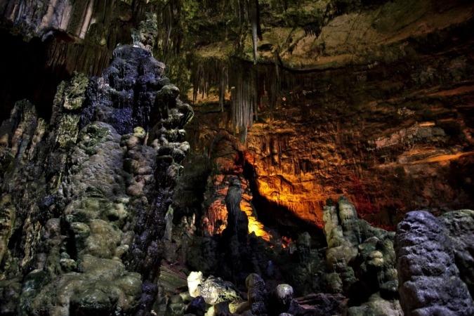 Las cuevas de Castellana Grotte invitan a sumergirse en uno de los complejos kársticos más espectaculares del mundo.