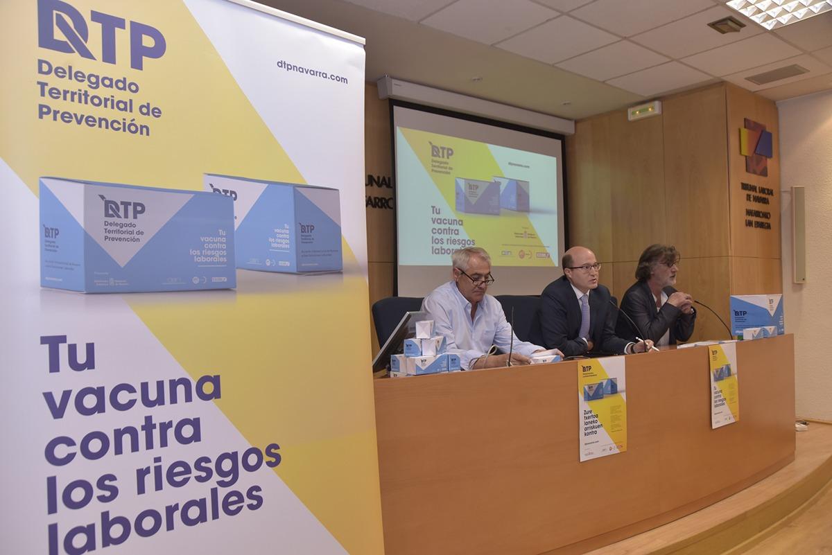Jesús Santos, Carlos Fernández y Chechu Rodríguez, durante la rueda de prensa.