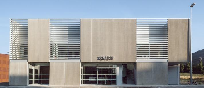 Edificio de Sannas en Nuevo Artica. (Foto Cedida)