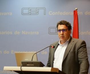 José Manuel López se dirige a la audiencia. (Foto: David Cazón).