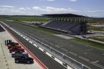 Panorámica de la recta de salida y meta del Circuito de Los Arcos.