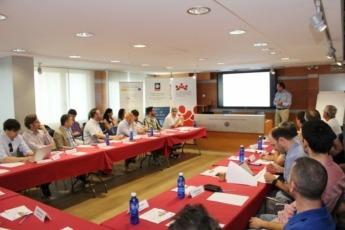 Juan Carlos Franquet inicia la sesión de la Mesa de Estrategia sobre transformación digital.