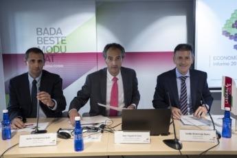 """Presentación de el """"Informe de economía de Navarra""""."""