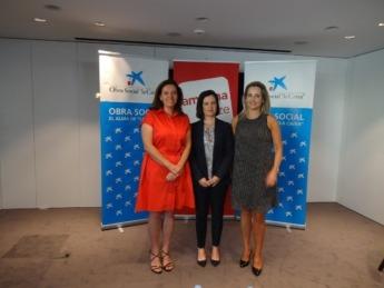 Ana Díez Fontana, Cristina Sotro y Beatriz Elizari (Directora de área de negocio de Pamplona-oeste de CaixaBank)