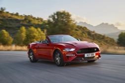 Ford conmemora los 55 años de su deportivo Mustang con nuevas versiones.