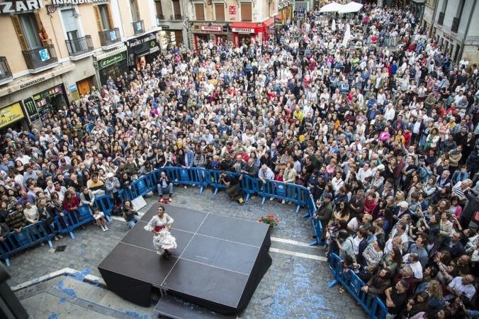 Alba Heredia llenó la Plaza del Ayuntamiento en 2018 con 'Maga', espectáculo dirigido por Mikel Belascoain.