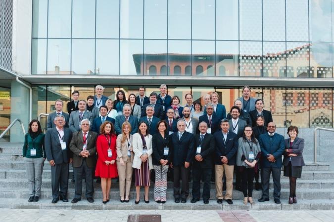 Los participantes en el encuentro. (Foto: Pedro Sobrado)