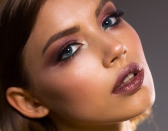 Maquillaje para un evento de noche.