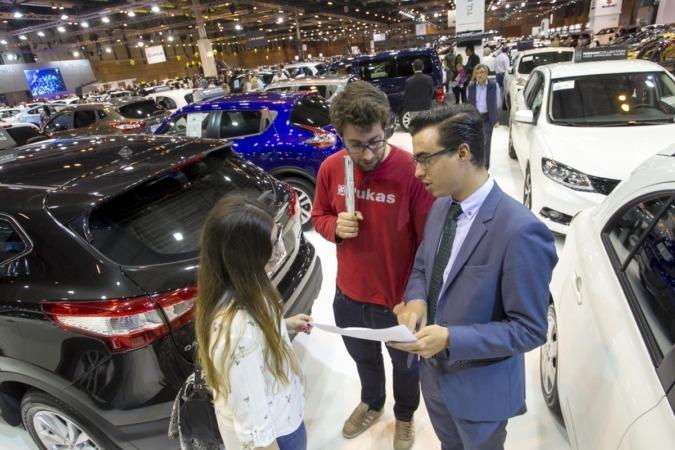 La incertidumbre incita al consumidor a limitar la inversión a la compra de coches usados.