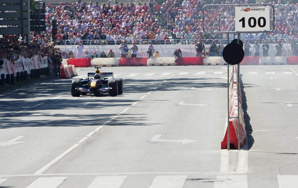 Red Bull Pamplona show car en el Circuito de Navarra.