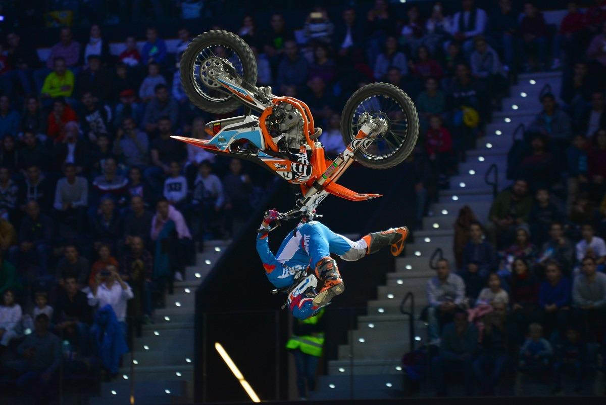 Espectáculo de Freestyle en el Navarra Arena.