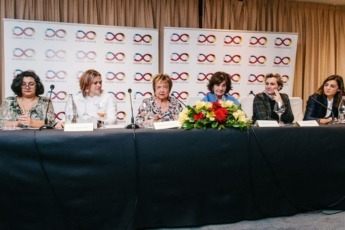 Ponentes del acto. De Izda. a Dcha.: Isabel Maestre, Annett Teich, Isabel Mijares, Isabel Maestre, Pepa Muñoz y Verónica Fernández de Córdova.