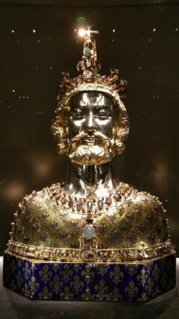 Relicario de Carlomagno del tesoro de la catedral de Aquisgrán.