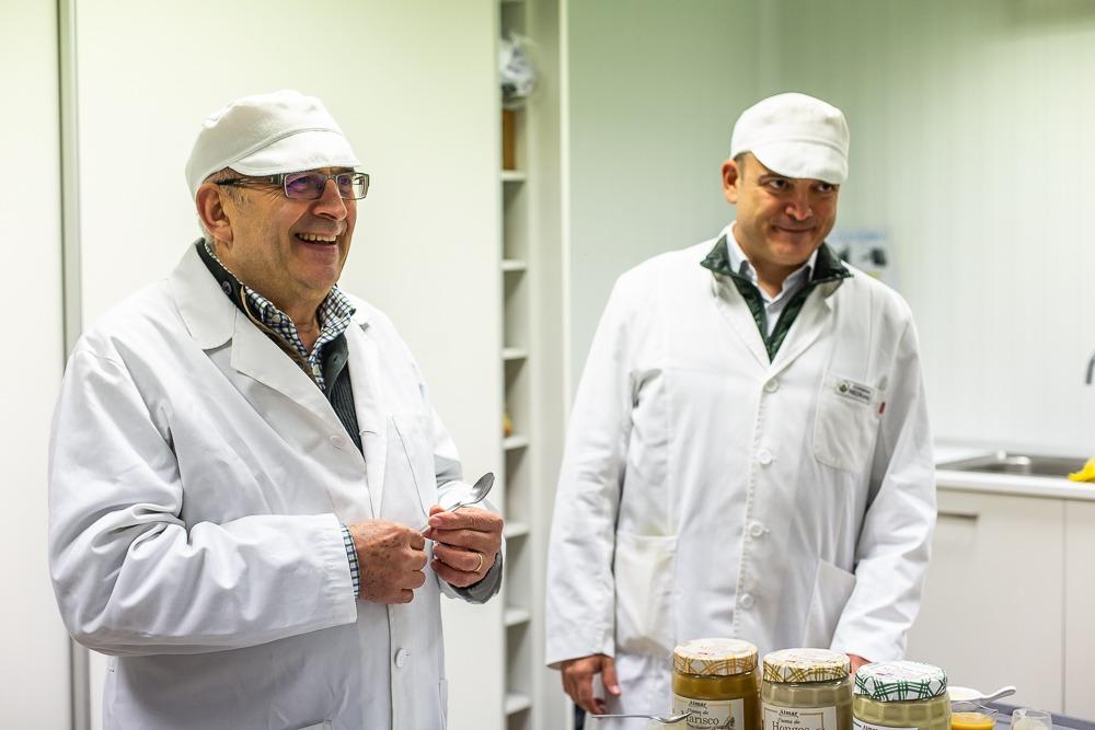 La crema de alcachofa es característica por su sabor natural.