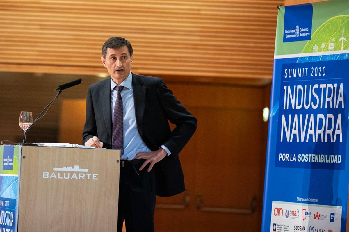 Prieto centró su ponencia en la transición energética.