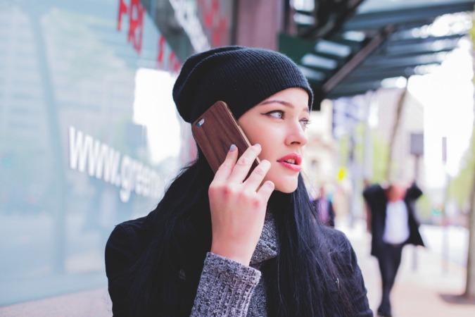 Hay jóvenes que apenas duermen, pendientes de si han recibido un mensaje o un nuevo 'like'.