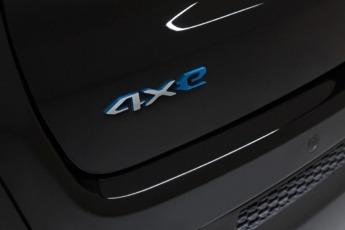 """Desde ahora, el logo """"4xe"""" identifica las versiones electrificadas."""