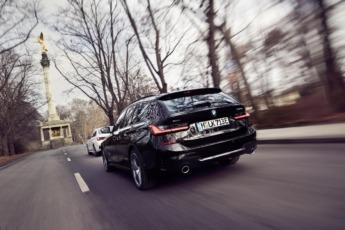 El 330e xDrive Touring alcanza una autonomía eléctrica cercana a los 60 km.
