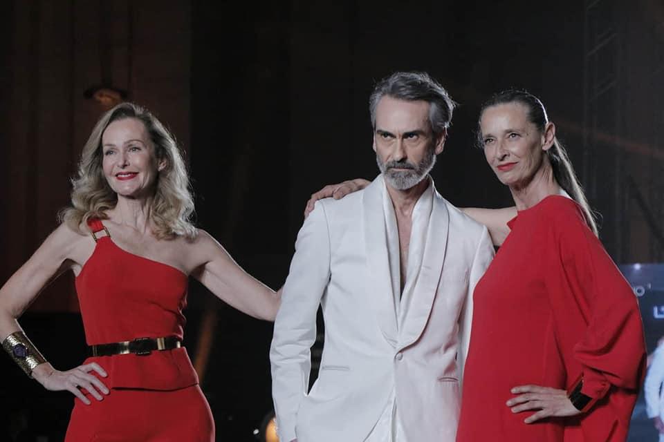 Juan Vidal fue el ganador del premio L'oreal a la Mejor Colección, en la que aparecieron hombres y mujeres mayores de 50 años.