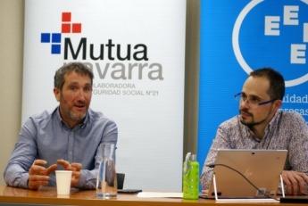 Sergio Indurain (APANA, izda.) y Javier Igea (Mutua Navarra), presentan la campaña.