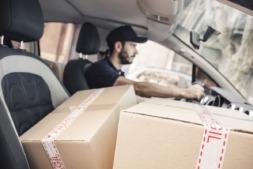 Para obtener ventajas fiscales el vehículo debe destinarse al uso profesional. (Foto: freepik).