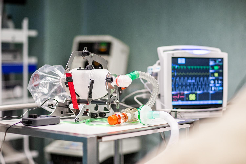 Respirador desarrollado por el proyecto colaborativo RCN19.