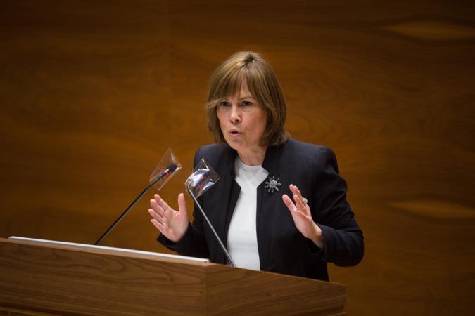 Barkos pidió al Ejecutivo foral que no haga seguidismo de las políticas de Madrid.