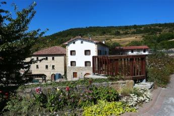 Ardanaz es una de las bellas localidades que podemos visitar en esta ruta.