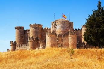 De estilo gótico-mudéjar, la planta del castillo de Belmonte en Cuenca tiene forma de estrella de seis puntas.