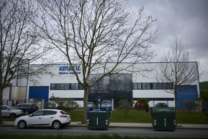 Las empresas de los polígonos denuncian la falta de contenedores para plástico
