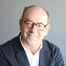 Eduardo Uribe.