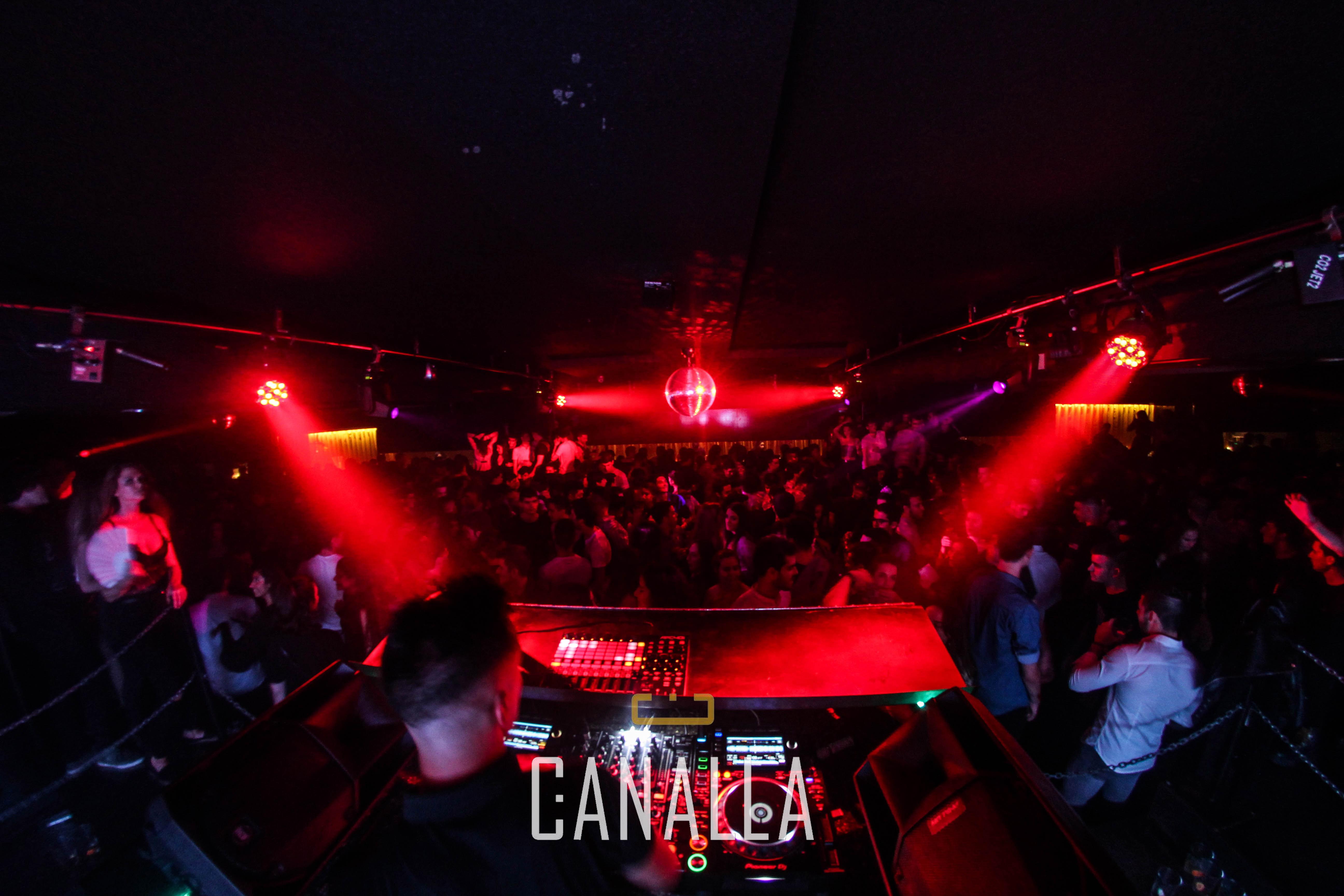 La Discoteca Canalla de Pamplona, a rebosar en una de sus fiestas.