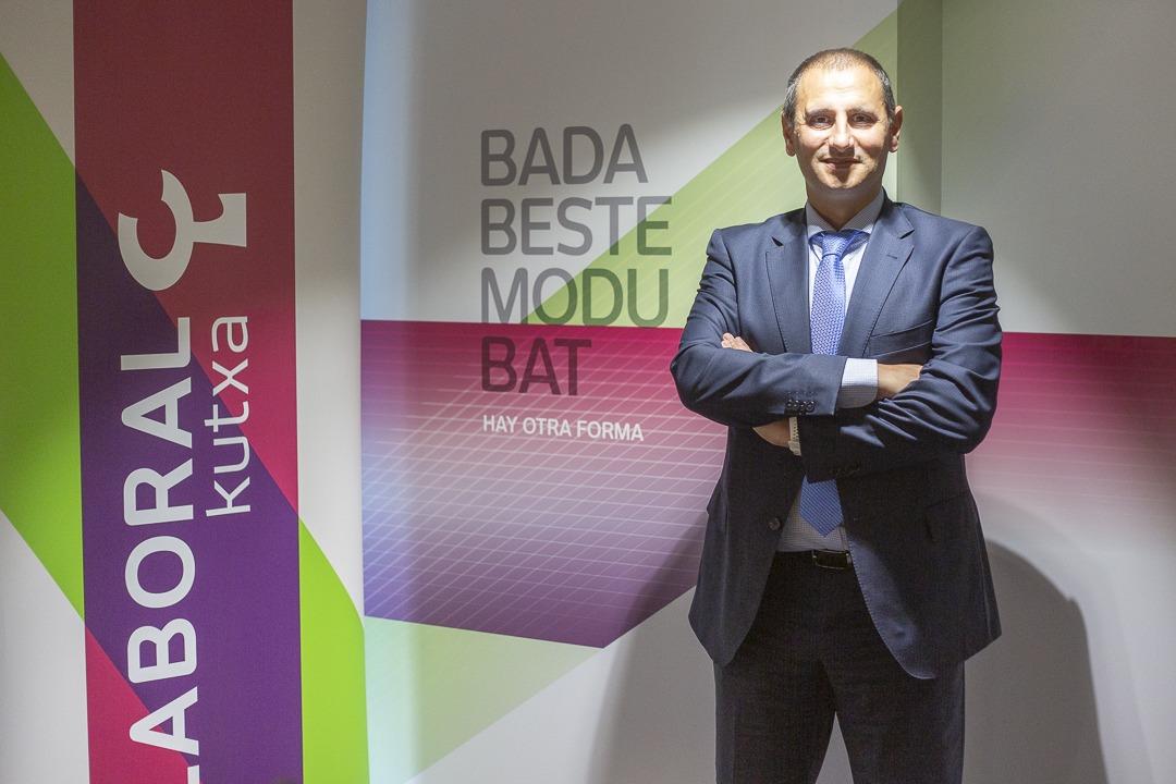 Laboral Kutxa apuesta por un modelo de cercanía al cliente que excluye el cierre de oficinas.