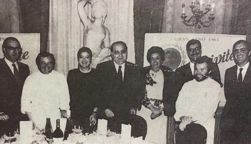 Julián Chivite Marco y familia en la presentación del Chivite 125 Aniversario Gran Vino 1981 en Madrid.
