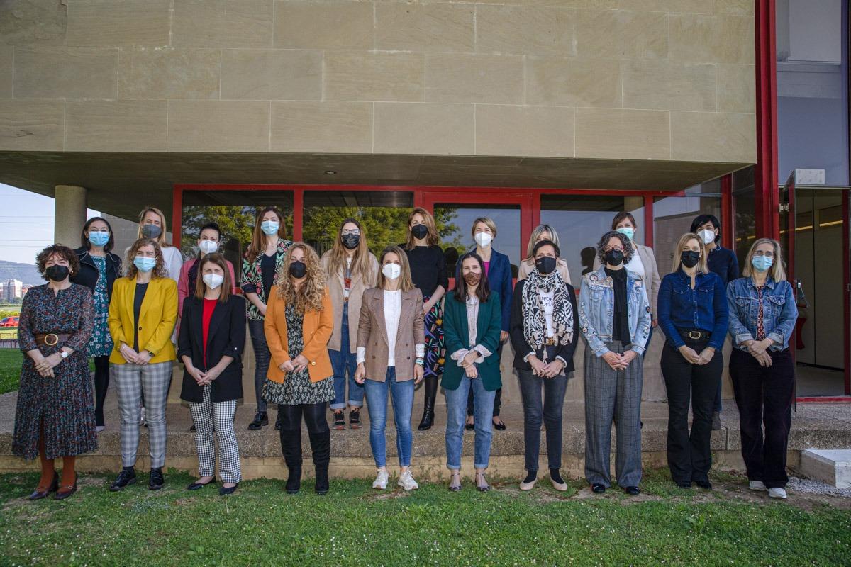 Participantes en la primera jornada del ciclo formativo organizado por el SNE-NL en colaboración con AIN.