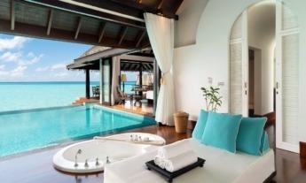 El propio hotel es un lugar perfecto donde relajarse a pie de mar.