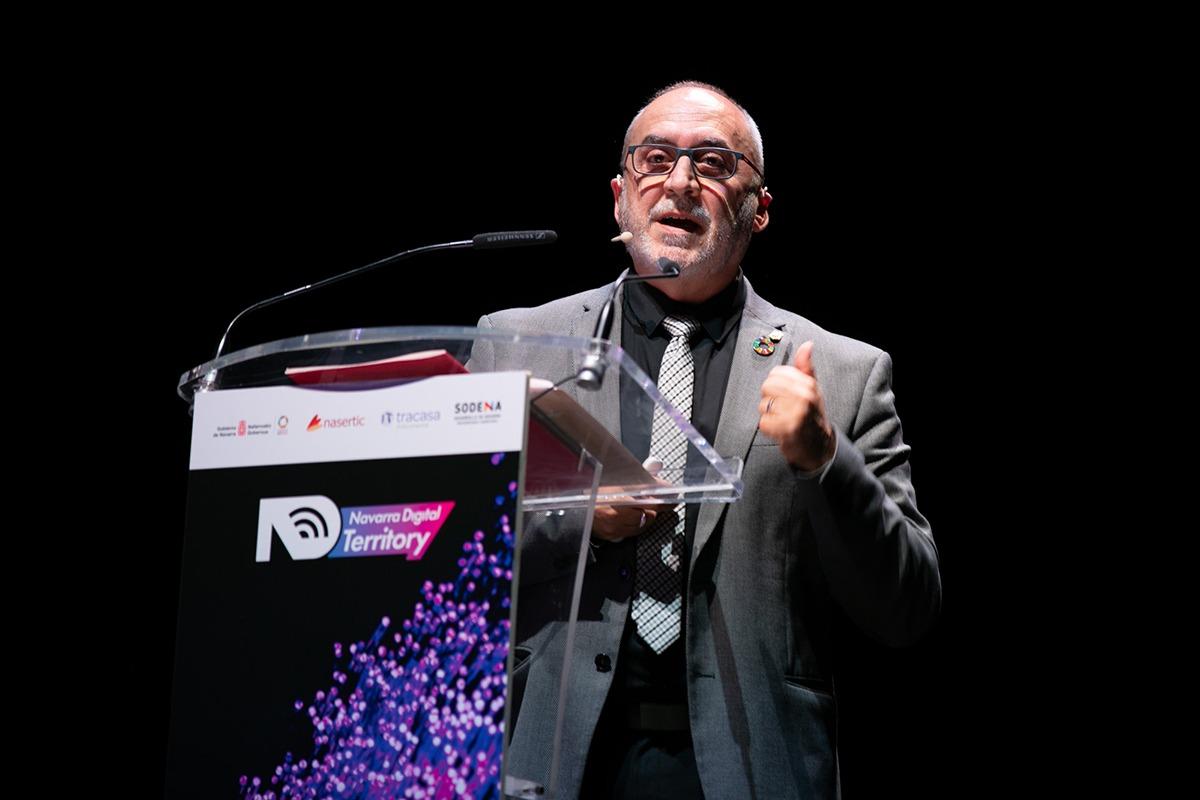Juan Cruz Cigudosa hizo hincapié en los retos de la Estrategia Digital Navarra 2030.