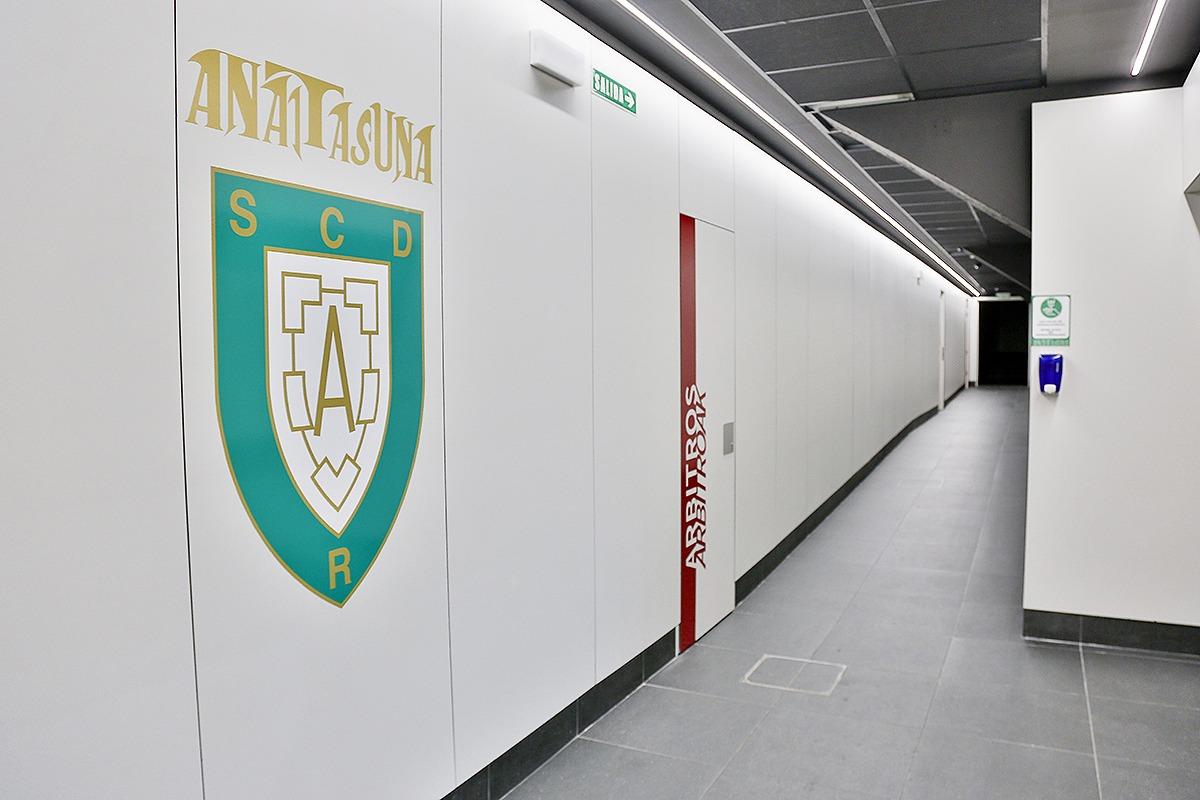 El club pamplonés ha invertido 700.000 euros en la remodelación del recinto.