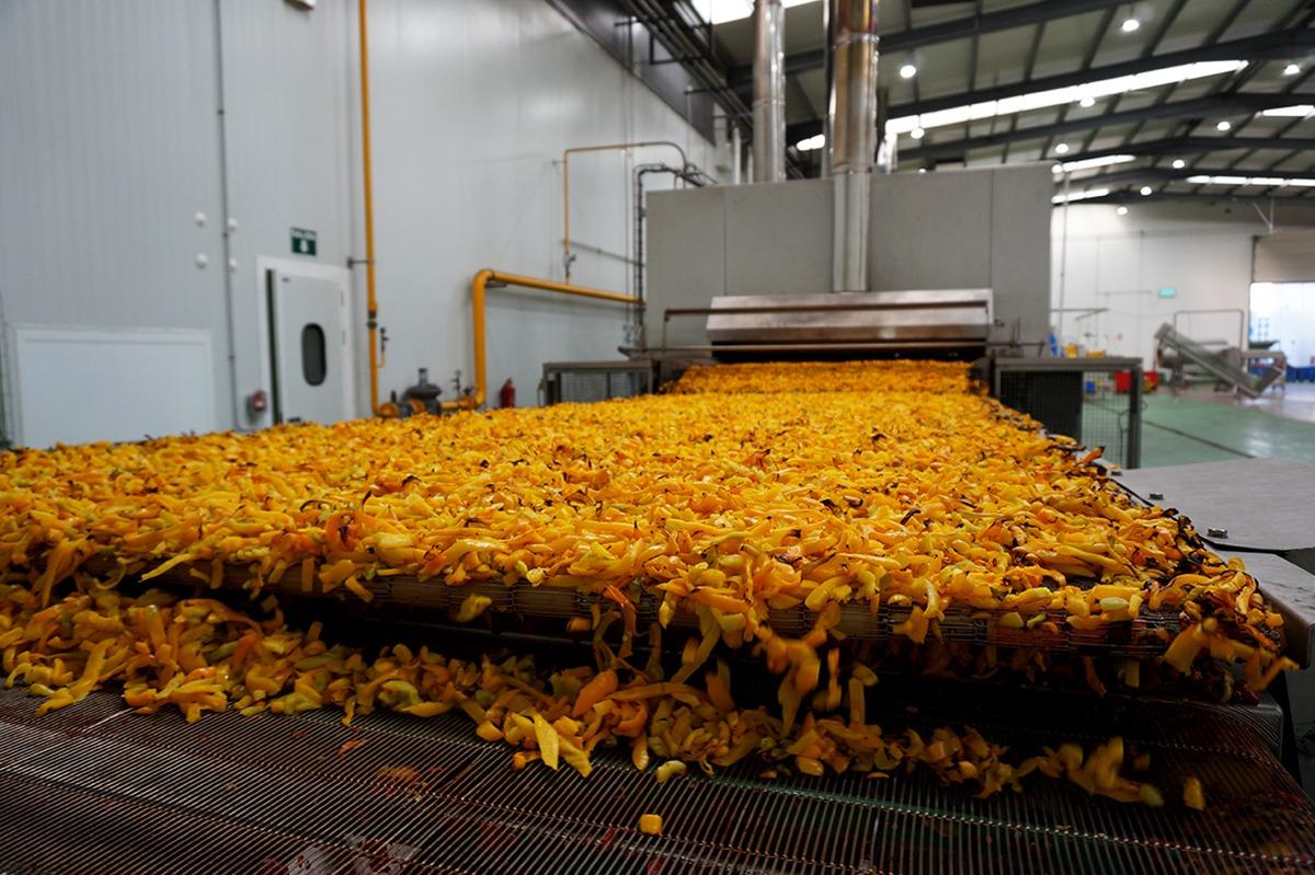 Una de las últimas inversiones realizadas por la firma en Navarra es un horno para asar verduras.