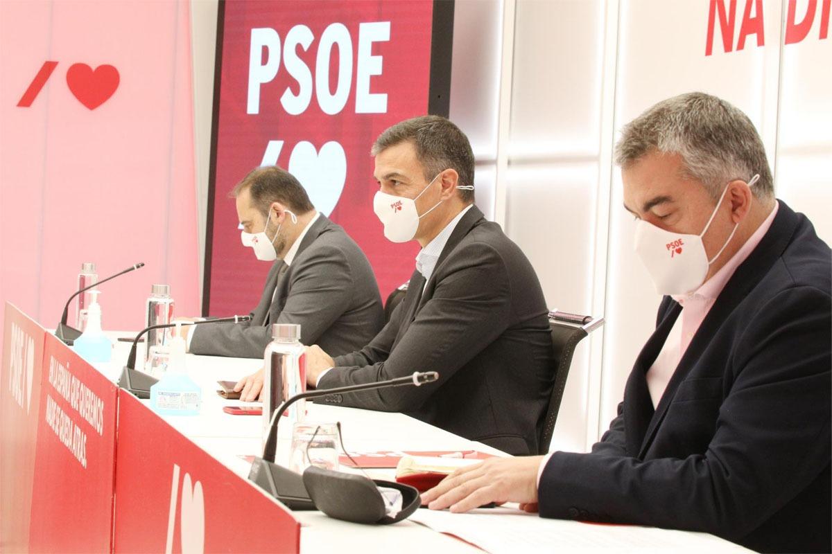 José Luis Ávalos, Pedro Sánchez y Santos Cerdán, en una rueda de prensa reciente.