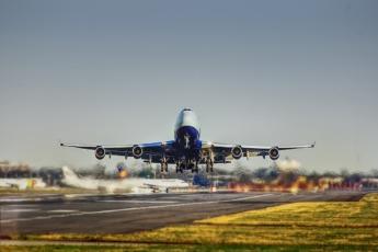 La reconversión de aviones de pasajeros en cargueros no ha solucionado el problema del tráfico aéreo de mercancías.