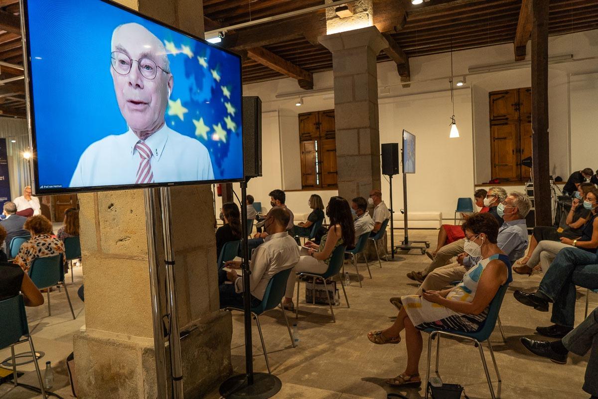 Van Rompuy y Almunia, en los II Cursos Europeos de Verano