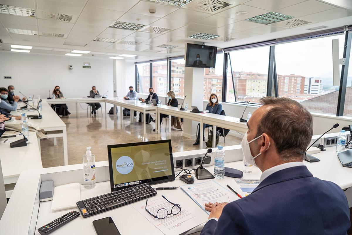 Santiago Sala, presidente de NAGRIFOOD, pidió un cambio de cultura empresarial durante su intervención.