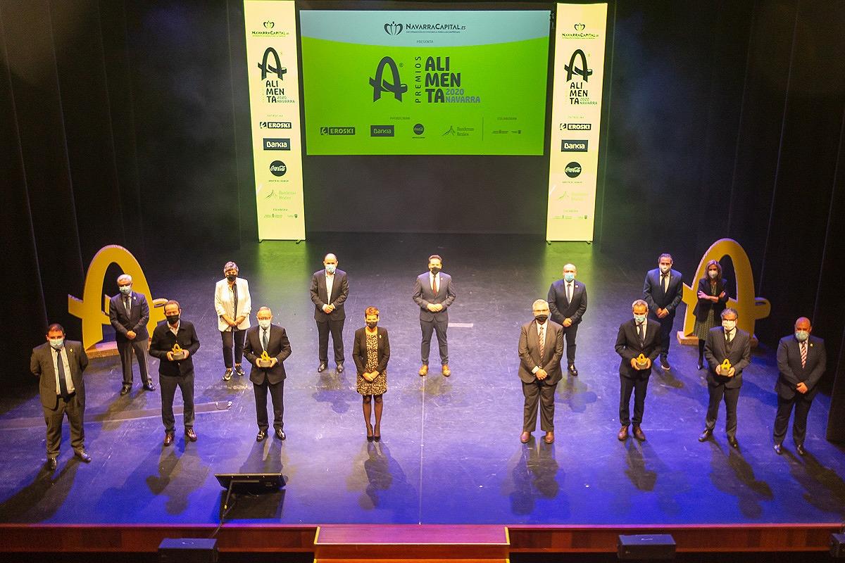 Premiados, autoridades, patrocinadores y organizadores, tras el acto.